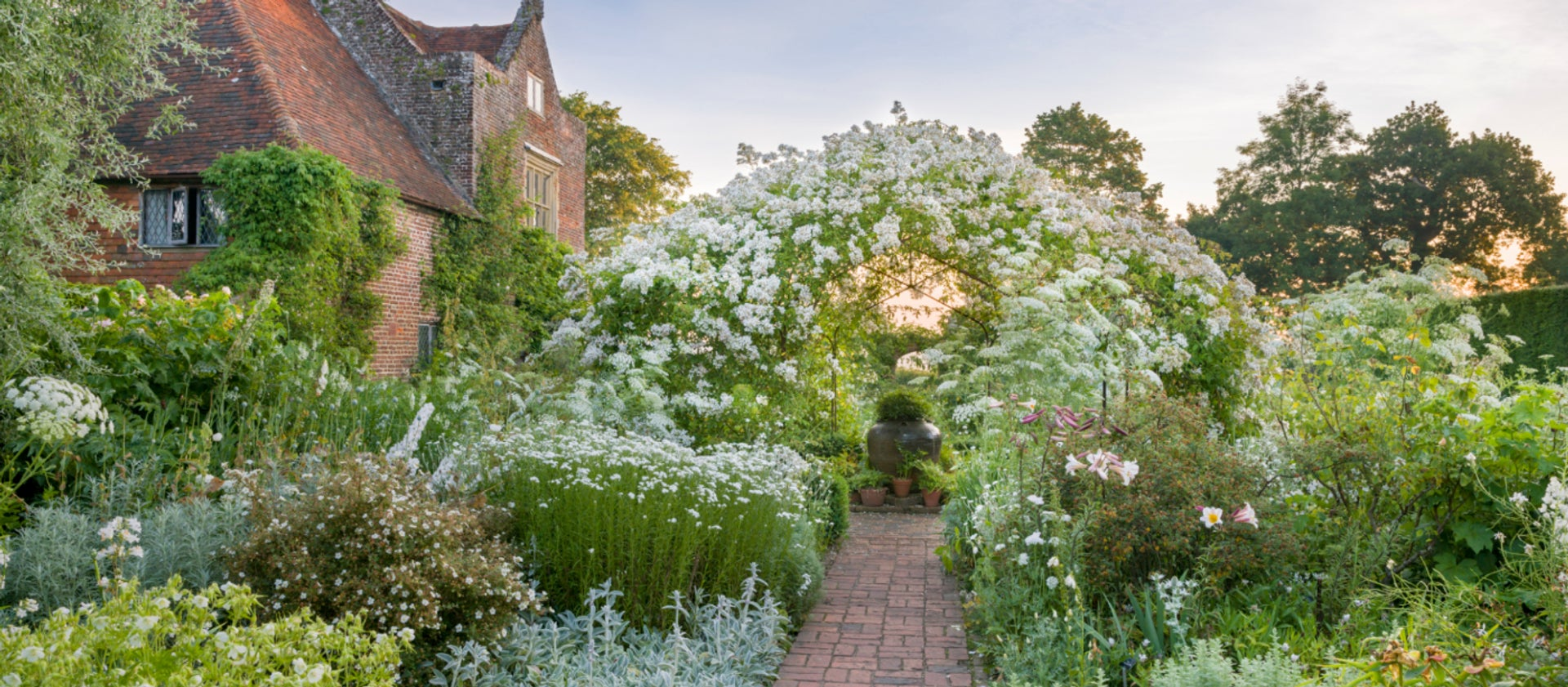 An Ode To The English Garden By Georgia Grace